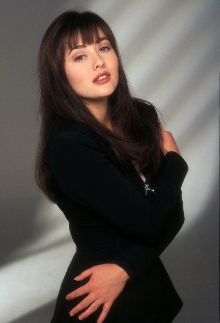 Photo of Shannen Doherty Birthday, Real Name, Family, Age, Weight, Height, Dress Size, Sp…