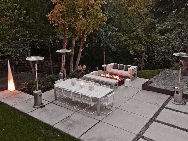 Modern Outdoor Living Area Design Ideas With Concrete Floors Fire Place Pit Love This Patio Flooring Modern Outdoor Living Area Outdoor Patio Flooring Ideas