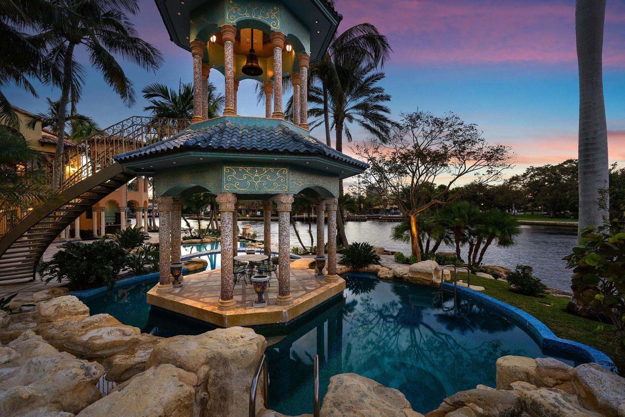 homes for sale in davie fl with pool