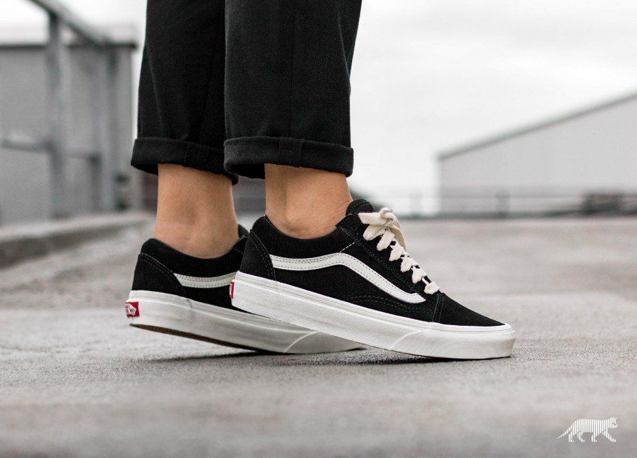 Vans Old Skool  Herringbone Lace  (Black   Marshmallow)  7a1236552
