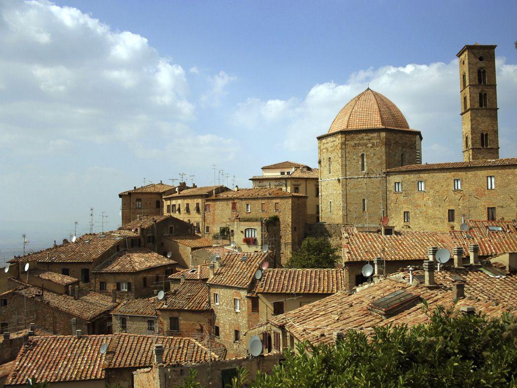 Volterra Italy Twilight Tour Travelchannel Com Volterra Honeymoon Scene Italy