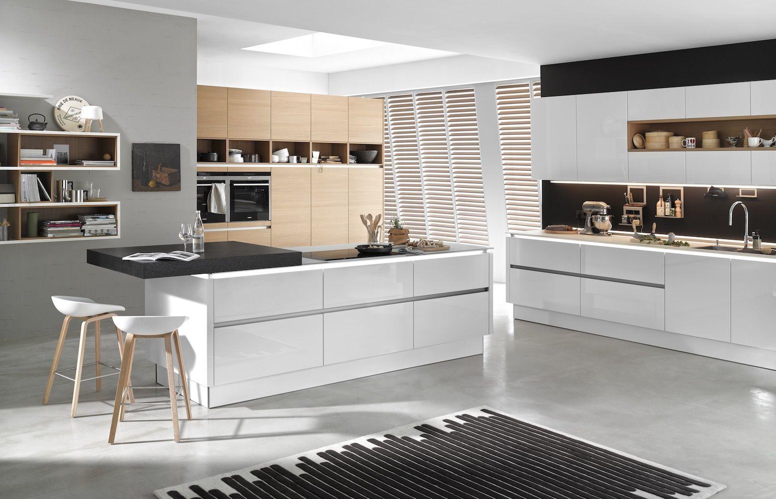 Awesome Nolte handleless kitchen with Matrix Art LED lighting