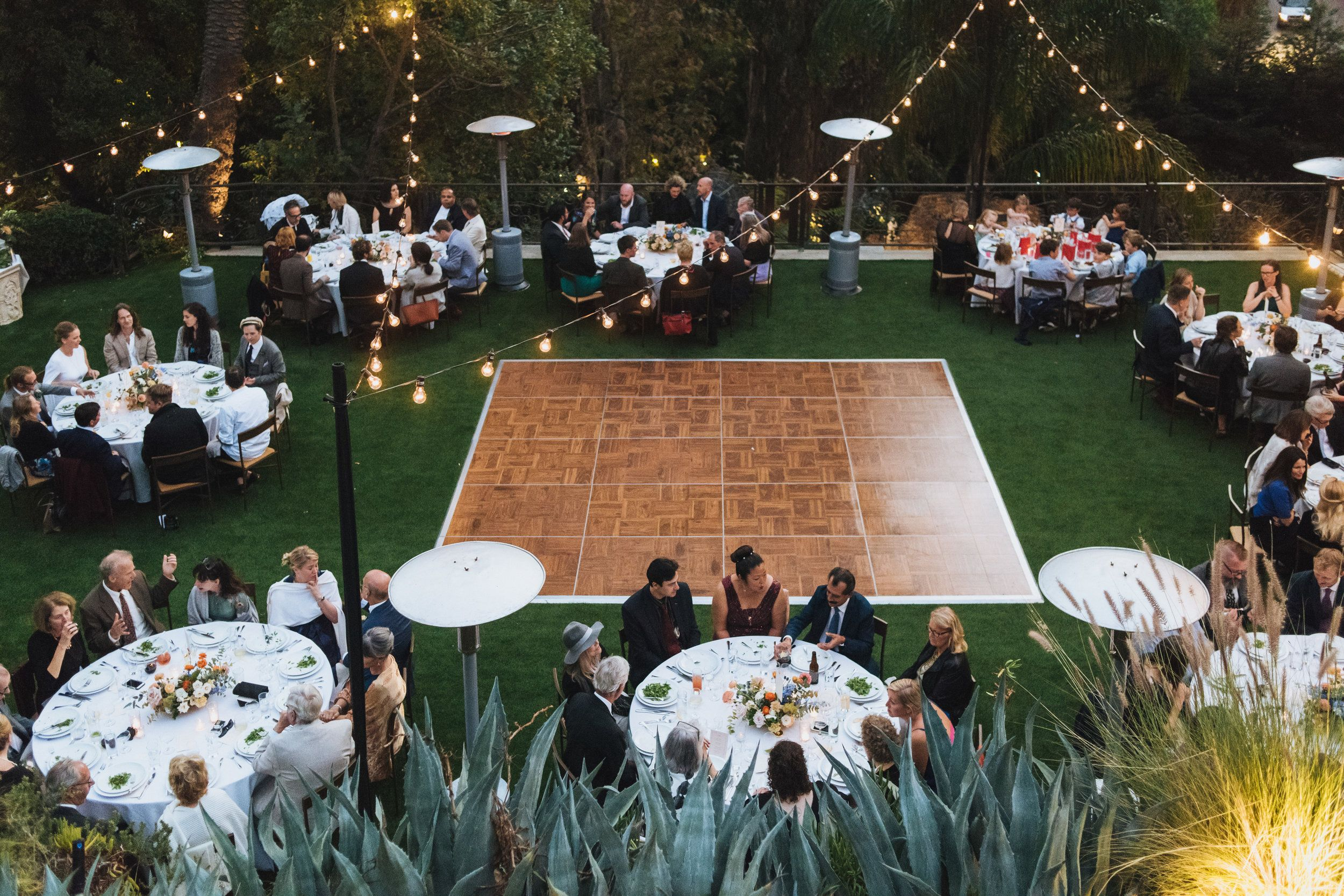 Romantic Outdoor Wedding Reception With Round Tables At The Houdini Estate Houdini Mansion Romantic Outdoor Wedding Outdoor Wedding Outdoor Wedding Reception