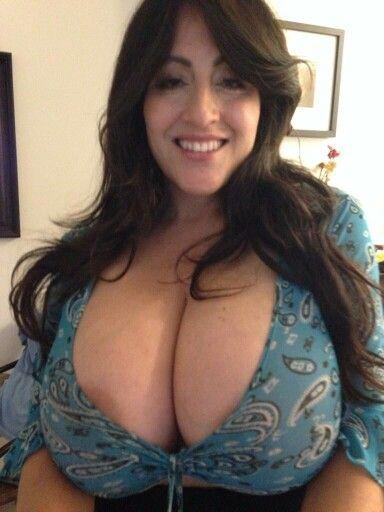 Big antonella boobs kahllo