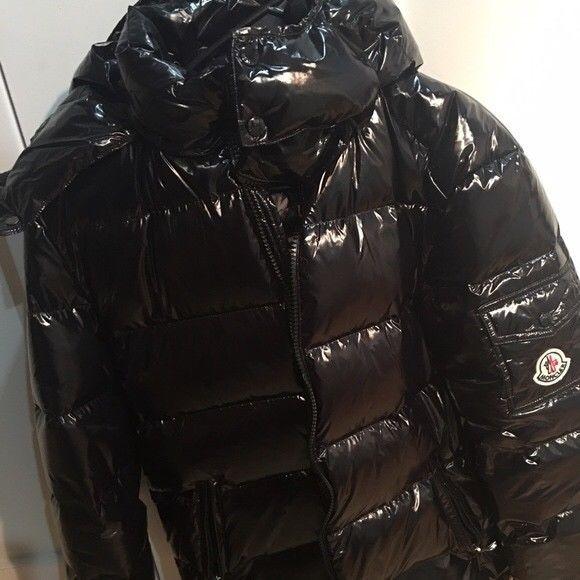 Men s Moncler Maya Black Shiny Nylon Down Jacket - Size 4 (M)  fashion e479bf3639c