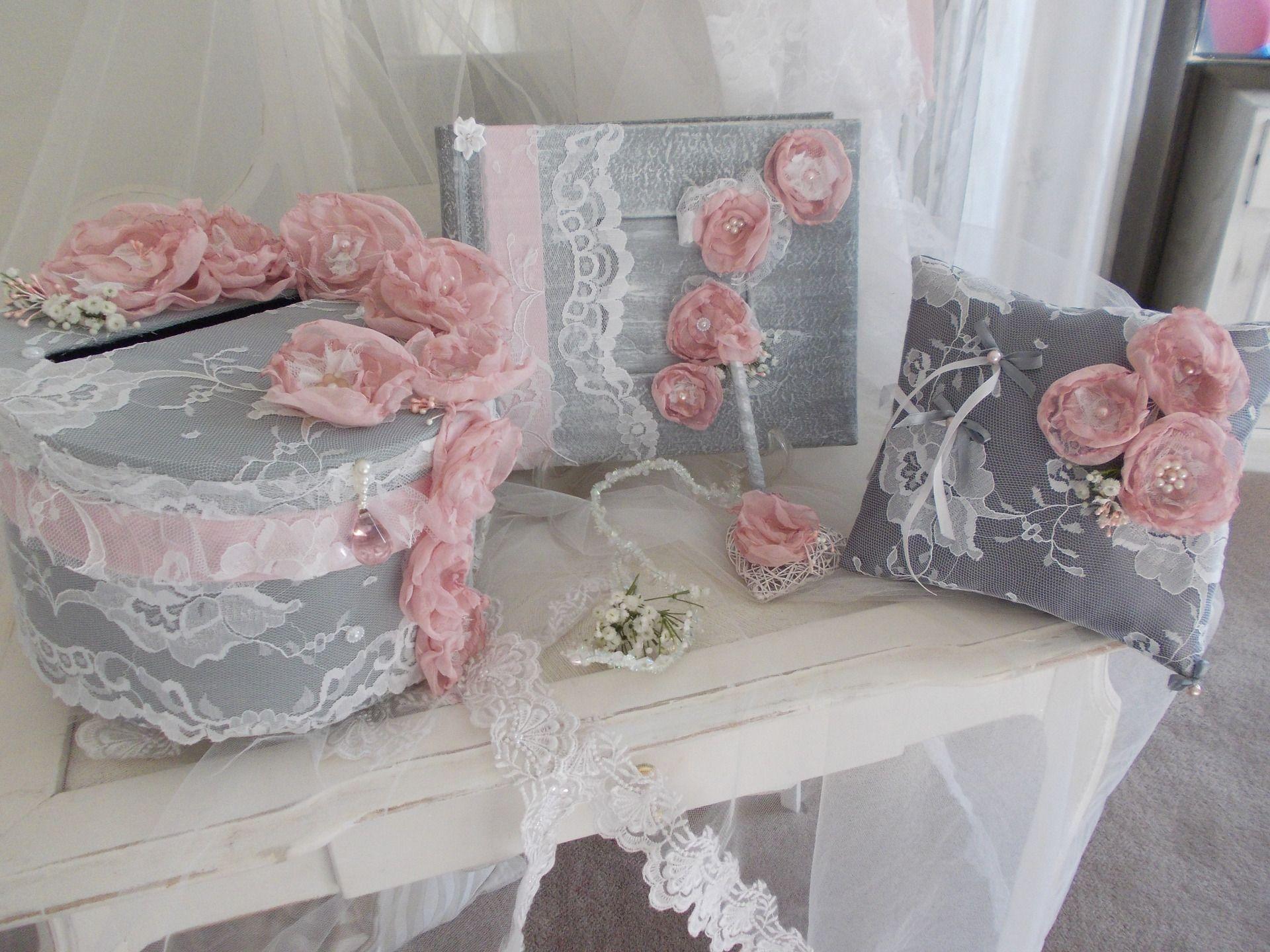 ensemble urne de mariage livre d or coussin gris et rose princesse autres accessoires par. Black Bedroom Furniture Sets. Home Design Ideas