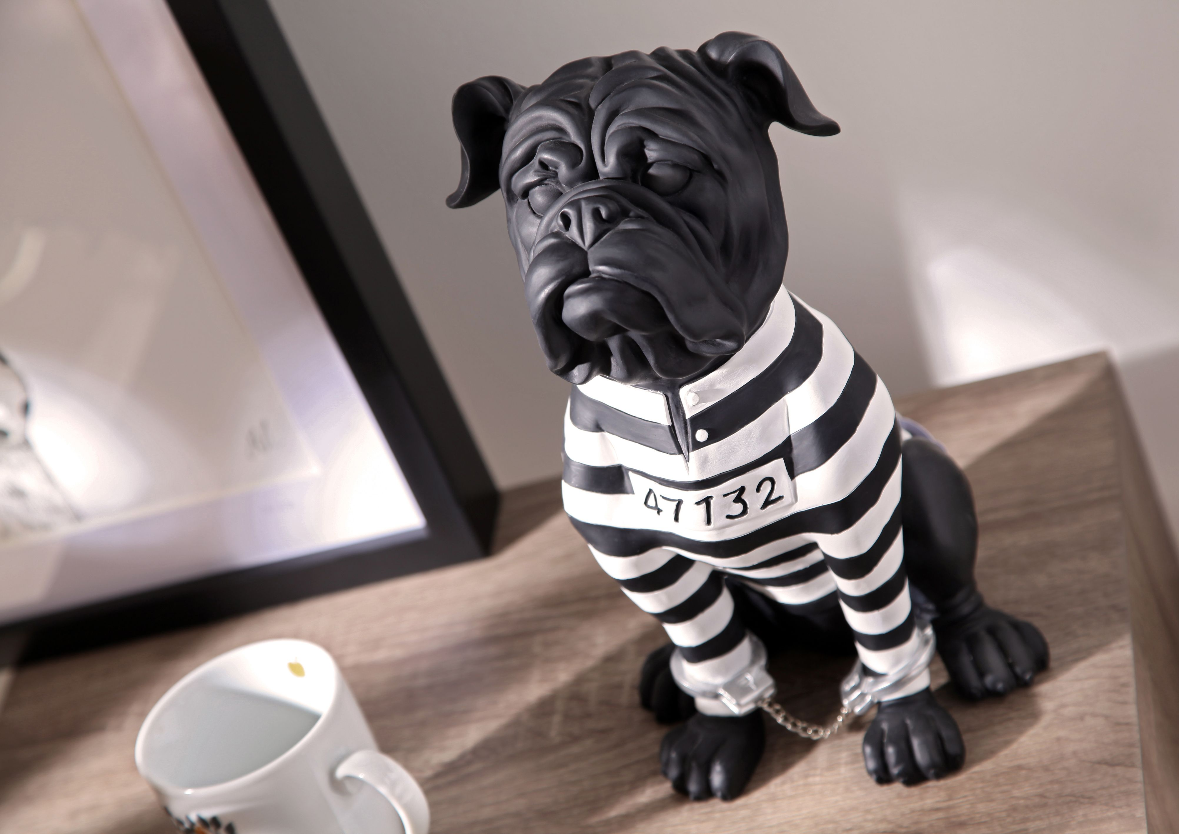 D coration moderne design home chien prisonnier for Amadeus decoration