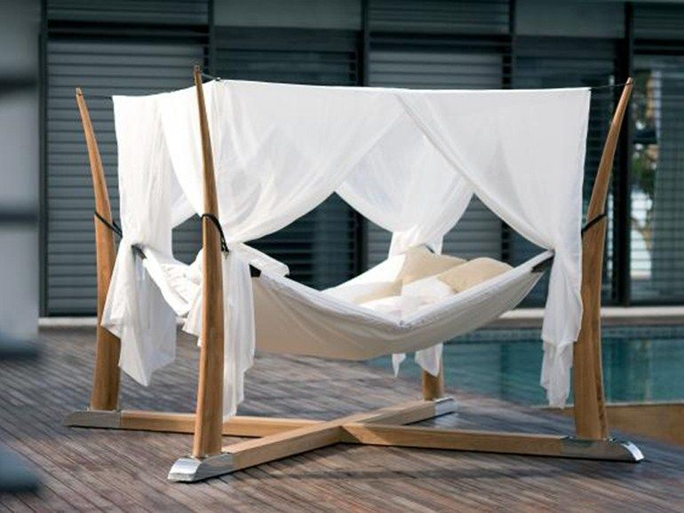 Garten Doppelbett aus Holz mit Baldachin KOKOON by ROYAL BOTANIA - modernes designer doppelbett holz