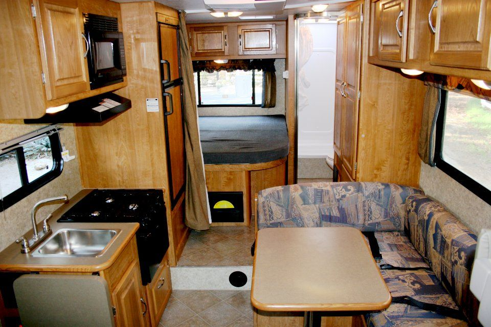 Small Class C Motorhome Interior Rv Rental Features