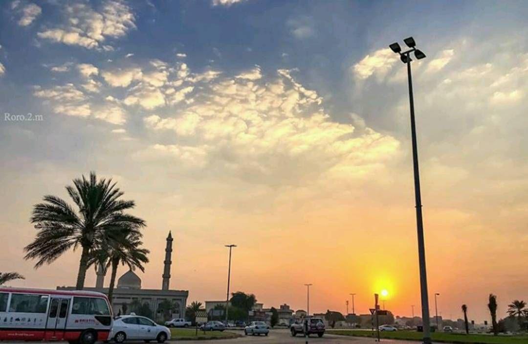 شبكة أجواء الإمارات شروق الشمس صباح اليوم الأثنين 17 10 2016 من المطاردة عاشقة المطر G S Chasers Alyasatnet Instagram Instagram Posts Clouds
