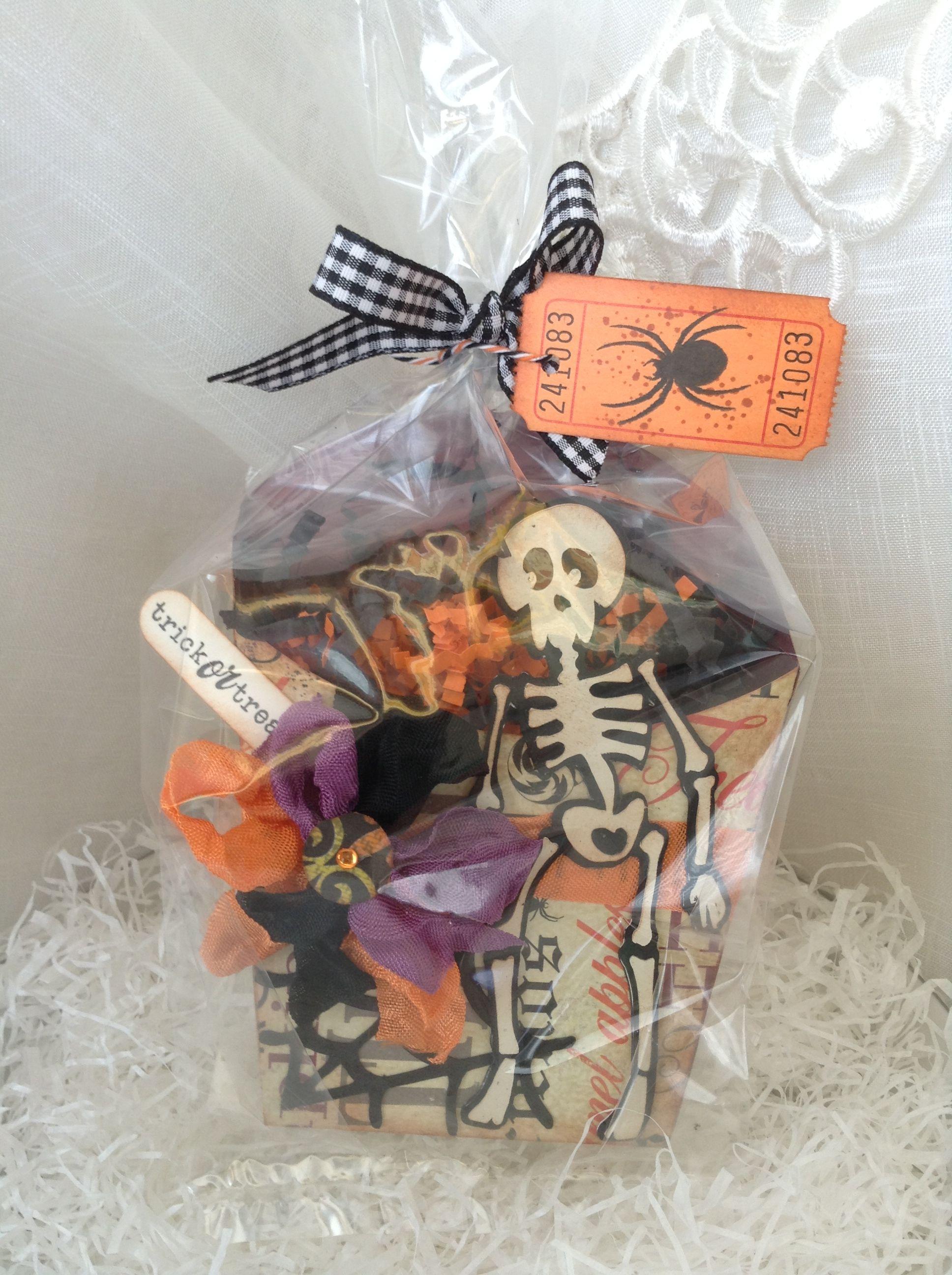 Halloween treat box for teacher.