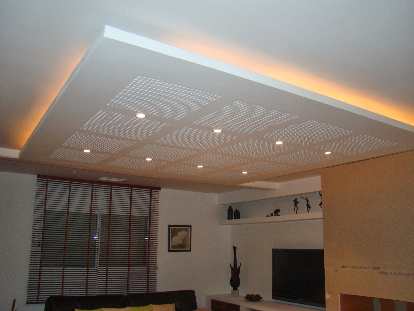 Plafond placo suspendu ceiling pinterest plafond for Fond plafond salon