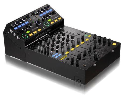 Zomo MC-1000 DJ Midi Controller connected to a Pioneer DJM mixer