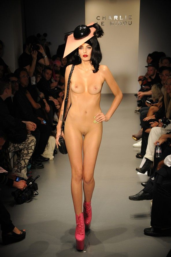 nude models on runway There's no way you can go wrong with models .