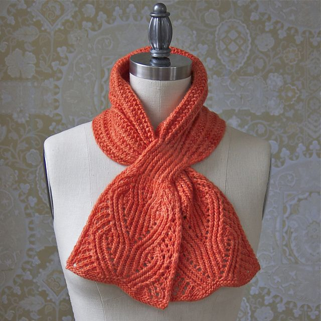 I really like the stitch pattern on the ends.  Day Brightener Ascot by Pam Powers