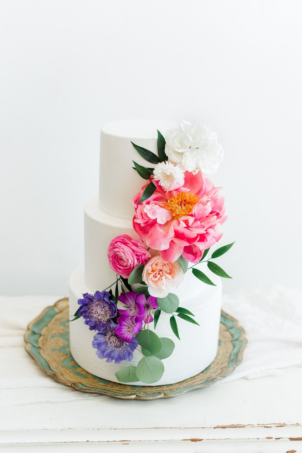 Monet S Multi Colored Garden Wedding Inspiration For Spring Garden Wedding Inspiration Wedding Cakes With Flowers Wedding Cakes