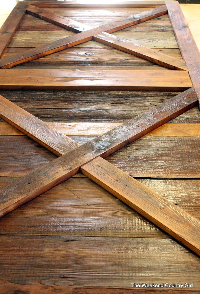DIY Building a sliding barn door from reclaimed wood. Cheap and Easy. - DIY Building A Sliding Barn Door From Reclaimed Wood. Cheap And