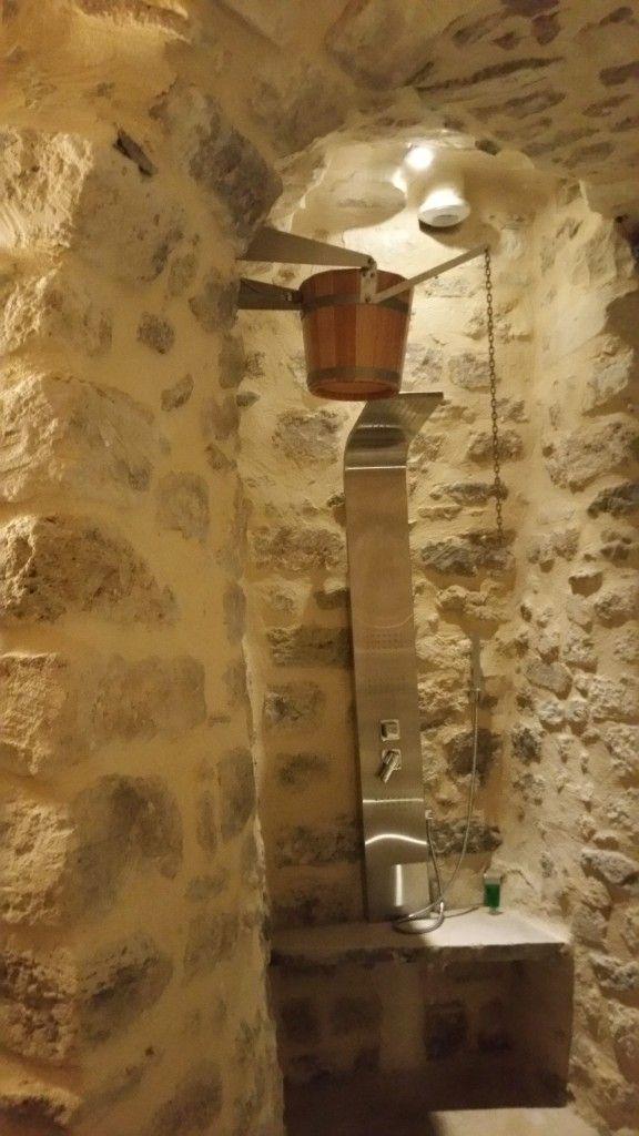 Un Sauna A Paris Ou Dans Une Cave C Est Possible Terrasse Beton Cire Cave Spa