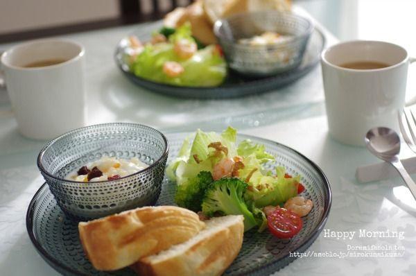 カステヘルミ グレイで朝食 食べ物の写真 食べ物のアイデア 食品と飲料