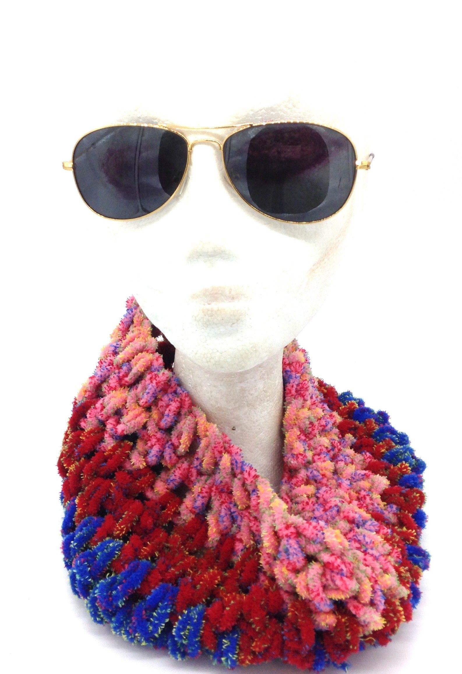 Cuello tres tonos, rosa, rojo y azul, de lana realizado a mano ...