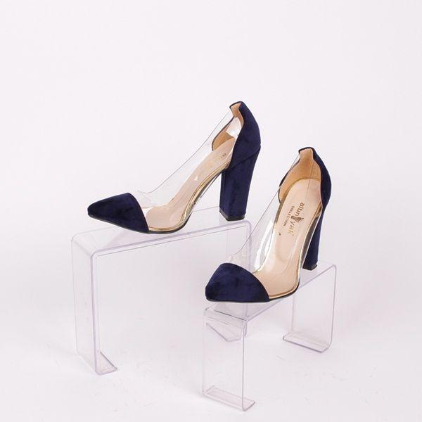fdd4c6a821e Модни дамски обувки с ток изработени от тъмно син еко велур - на пръстите,  петата и тока и мек, прозрачен силикон, който нежно обгръща крака ви и  прилепва ...