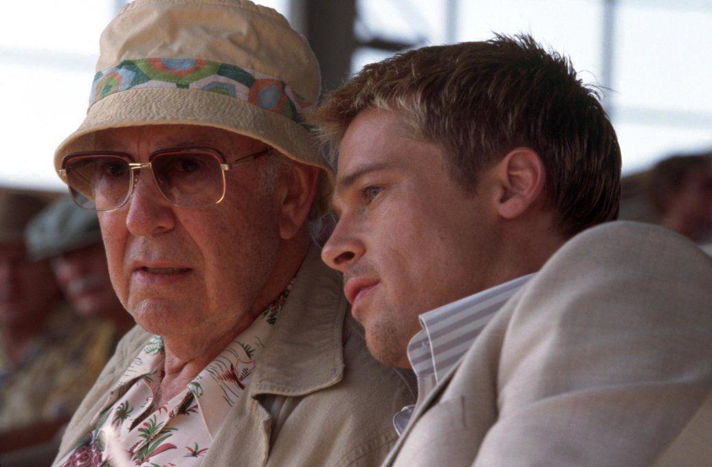 """Carl Reiner and Brad Pitt in """"Ocean's Eleven - Fate il vostro gioco"""" (2001)"""