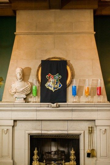 Harry Potter fans, sit up and take notice! Joshua and Meredith had THE most themed-out wedding paying homage to the Boy Who Lived. The colors were Hogwarts houses (that would be red for Gryffindor,…
