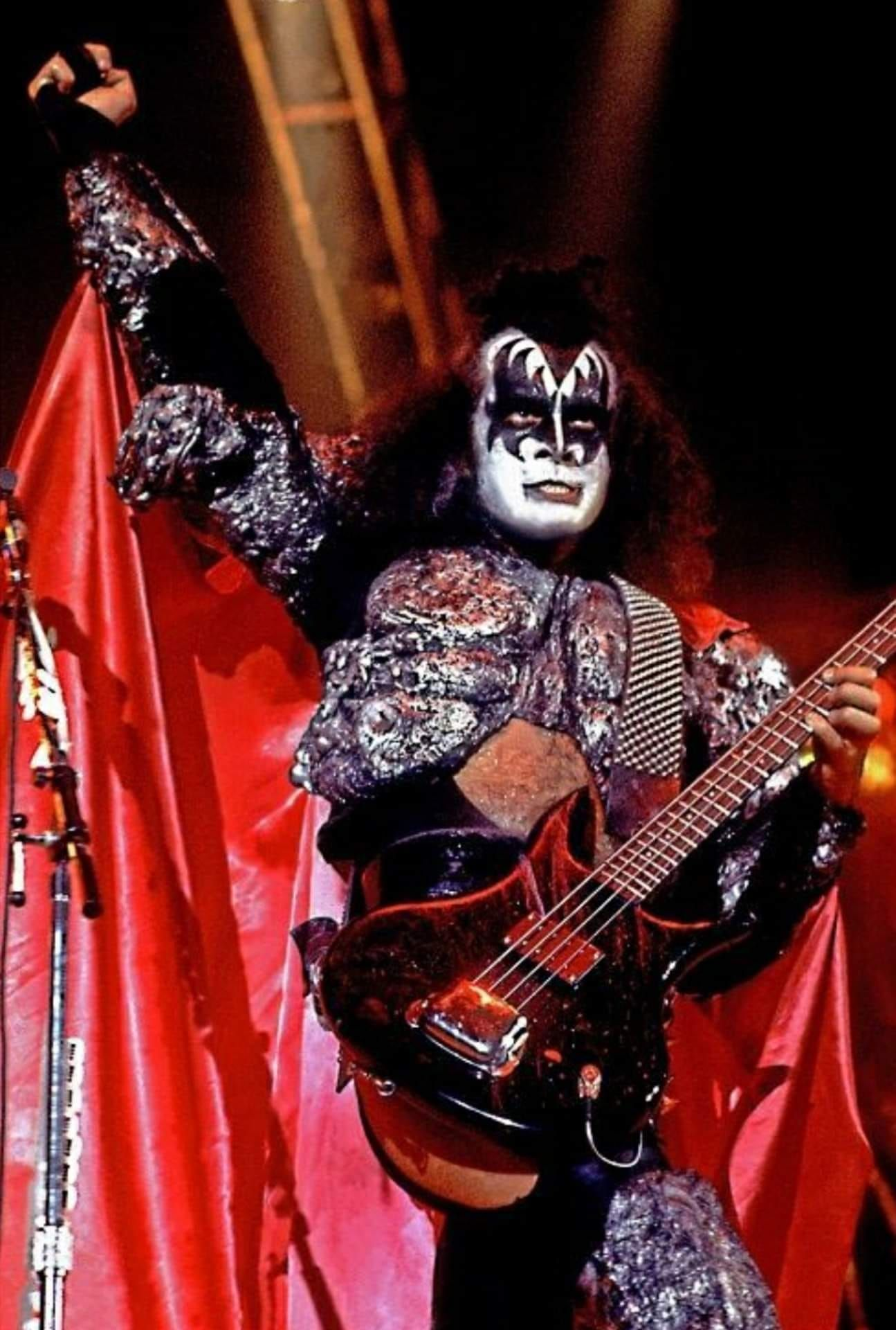 Pin by Anthony Taylor on Kiss in 2019 Gene simmons kiss