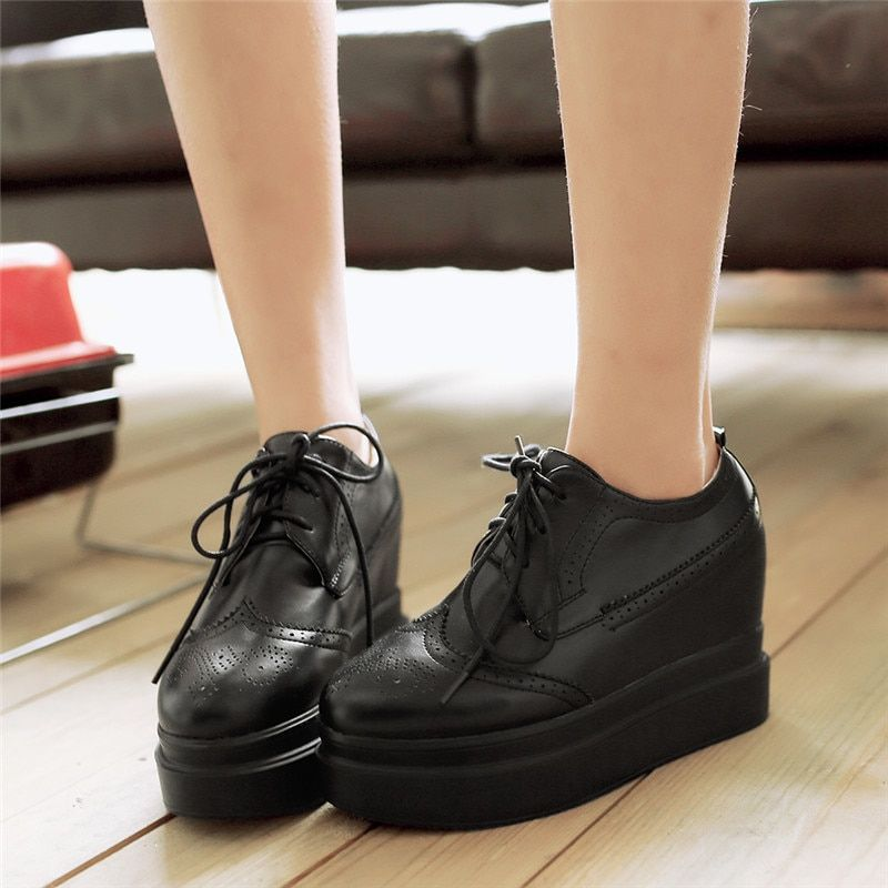 41dce16dcf4 YMECHIC 2018 Black Autumn Lace Up Brogue Platform Creeper Shoes Punk Gothic  High Heels Casual Oxford