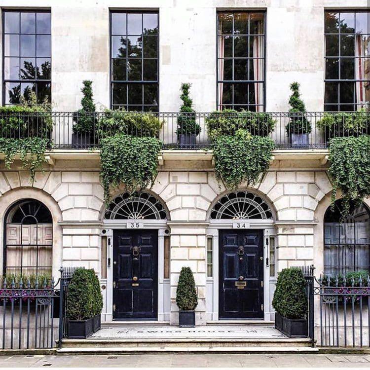 London Apartments Exterior: @thecuratedgarden #townhouse #citygarden #containergarden