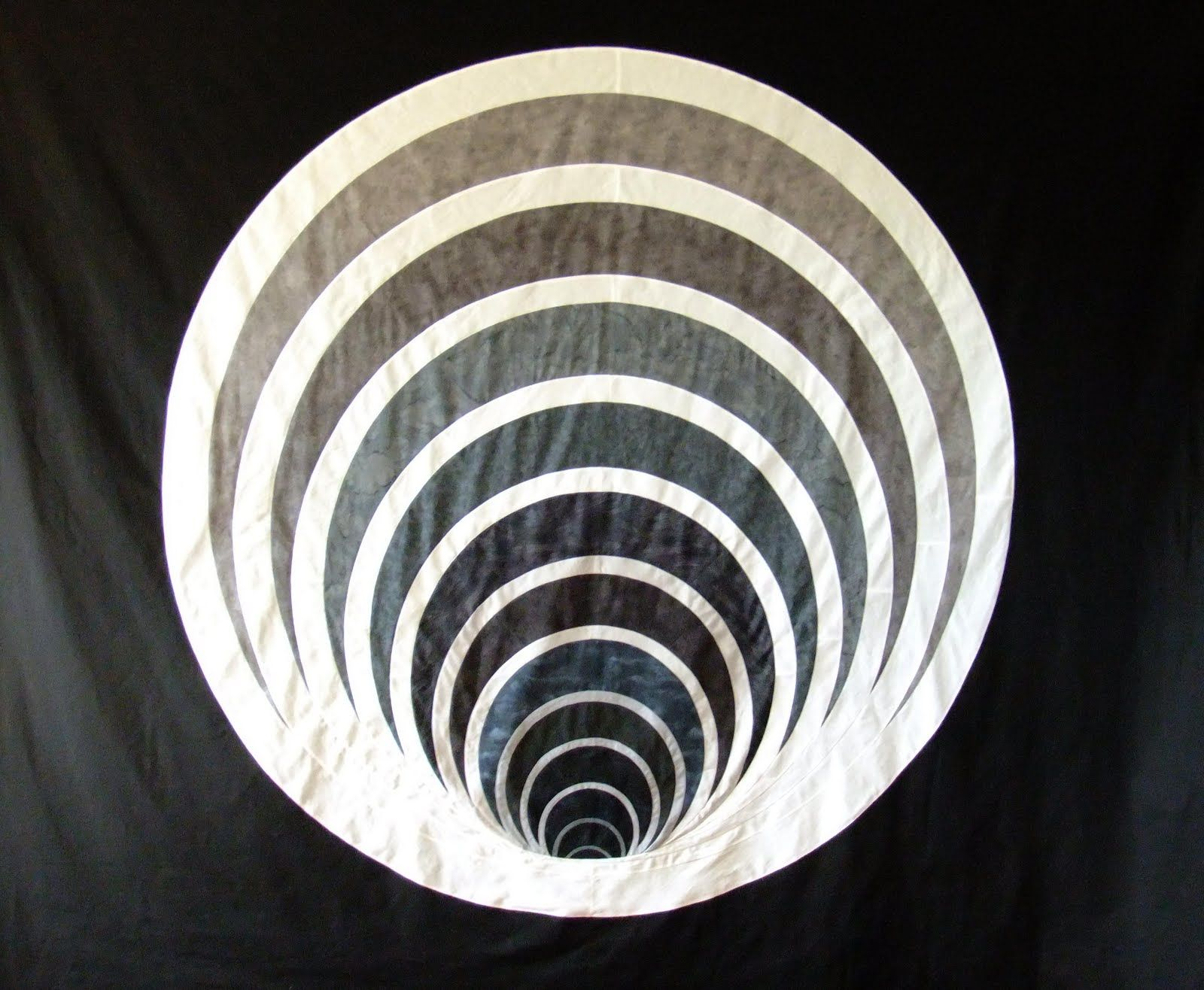 The Free Motion Quilting Project: Diving Back into Sinkhole
