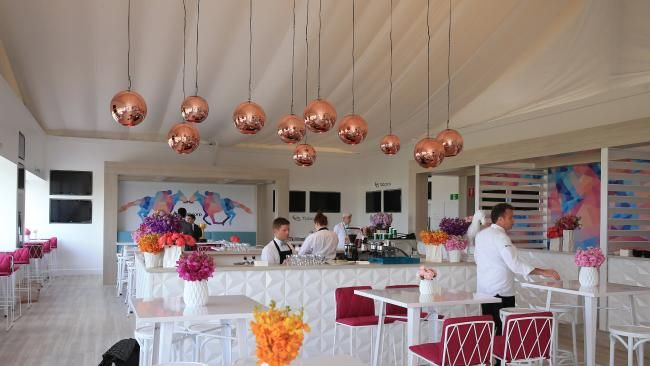 Gorgeous Styling For A Melbourne Cup Event White