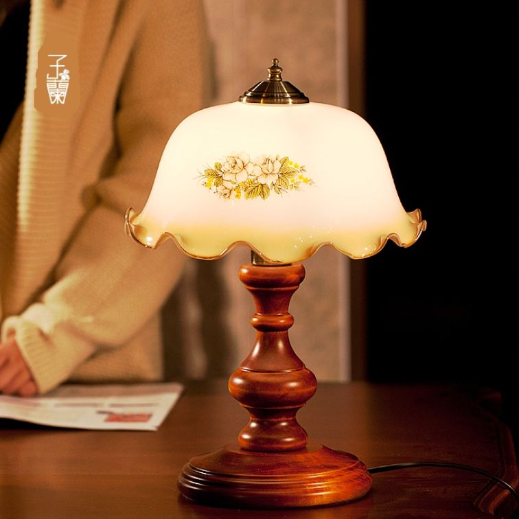 Choosing Traditional Bedroom Lamps Bedroom lamps, Lamp