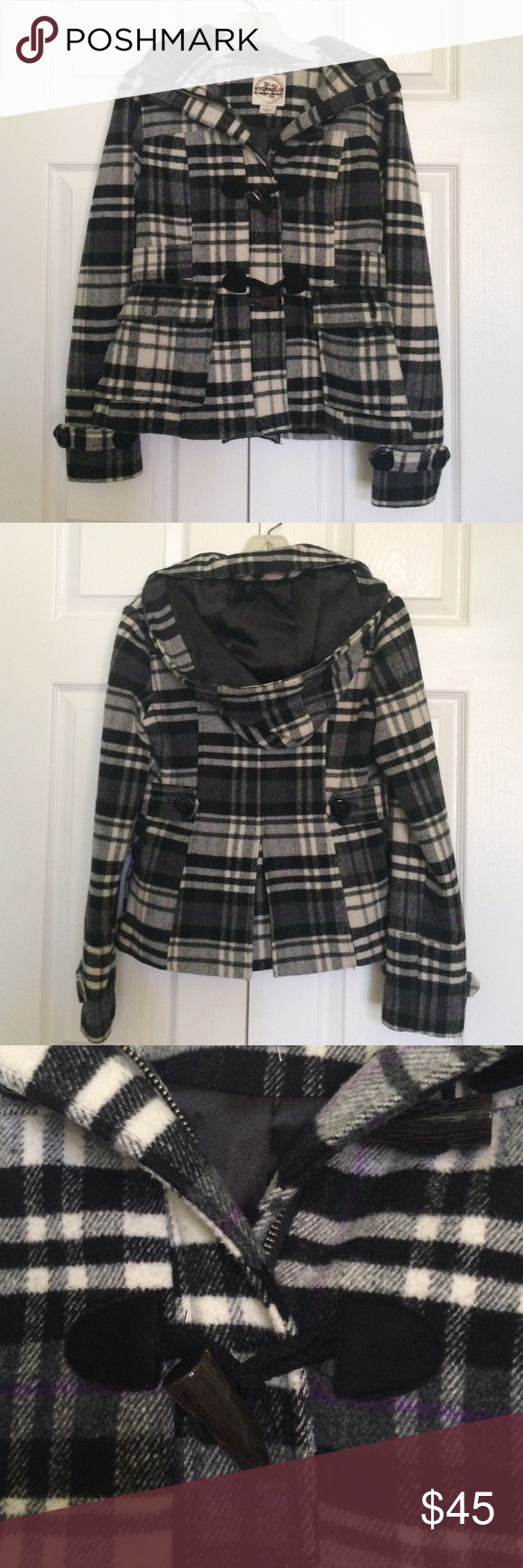 Black and white plaid coat Black and white plaid shirt coat with zipper and removable hood and two types of pockets. Excellent condition. Hydraulic Jackets & Coats