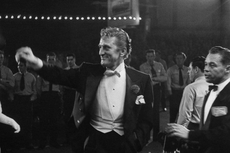 Kirk Douglas at the Academy Awards in 1954 | LIFE at the Oscars: Classic Photos From Hollywood's Biggest Night | LIFE.com