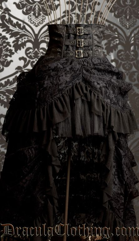 7010627cf3 Steampunk Bustle Skirt!!! I keep looking at this... I m a thinking about it.