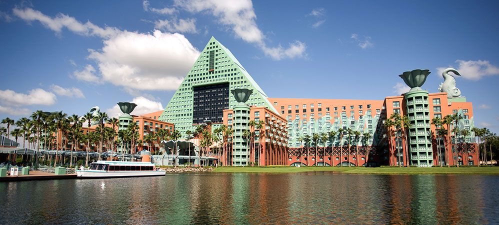 Walt Disney World Florida This Is The Swan Dolphin Hotels Who Over 10 Years Ago Looked After Helen And A Small Sam When We Had Our First Holiday On