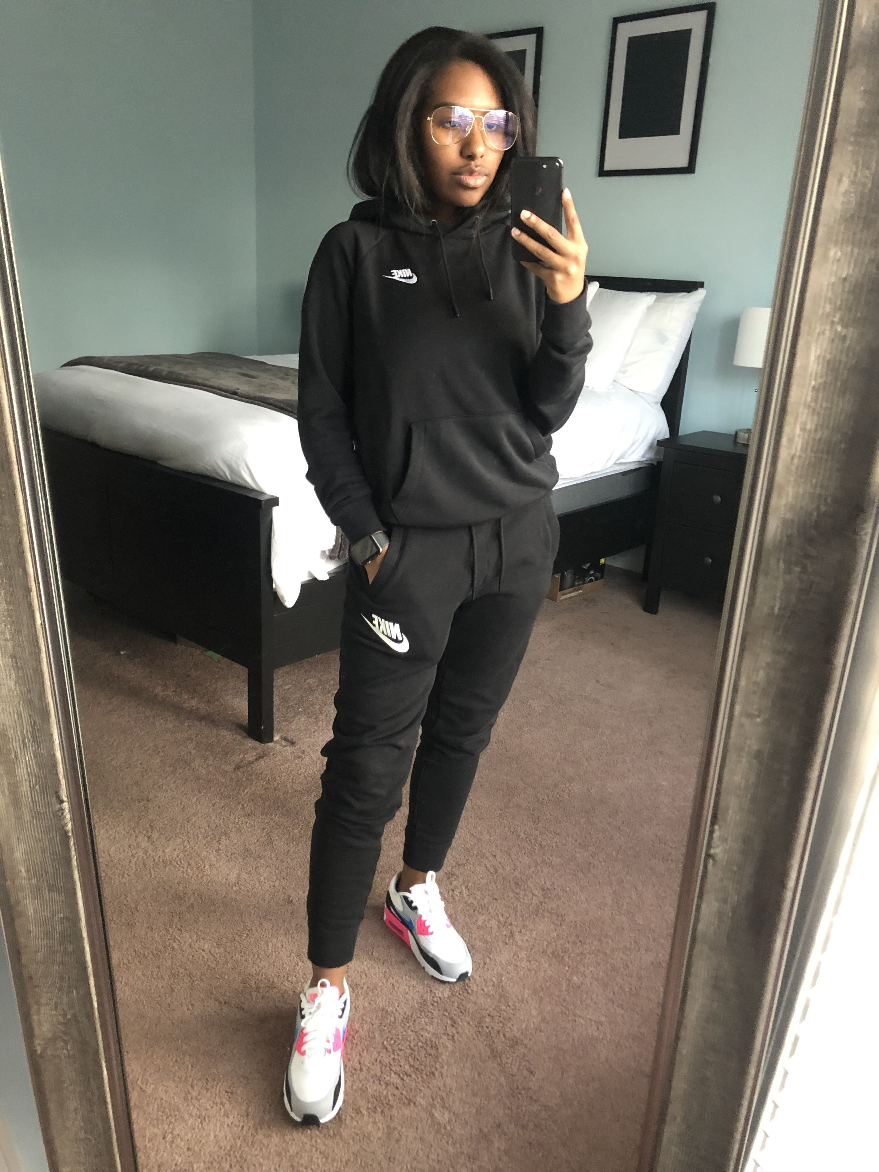 Nike Outfit  Nike women outfits, Nike air max 6 women outfit