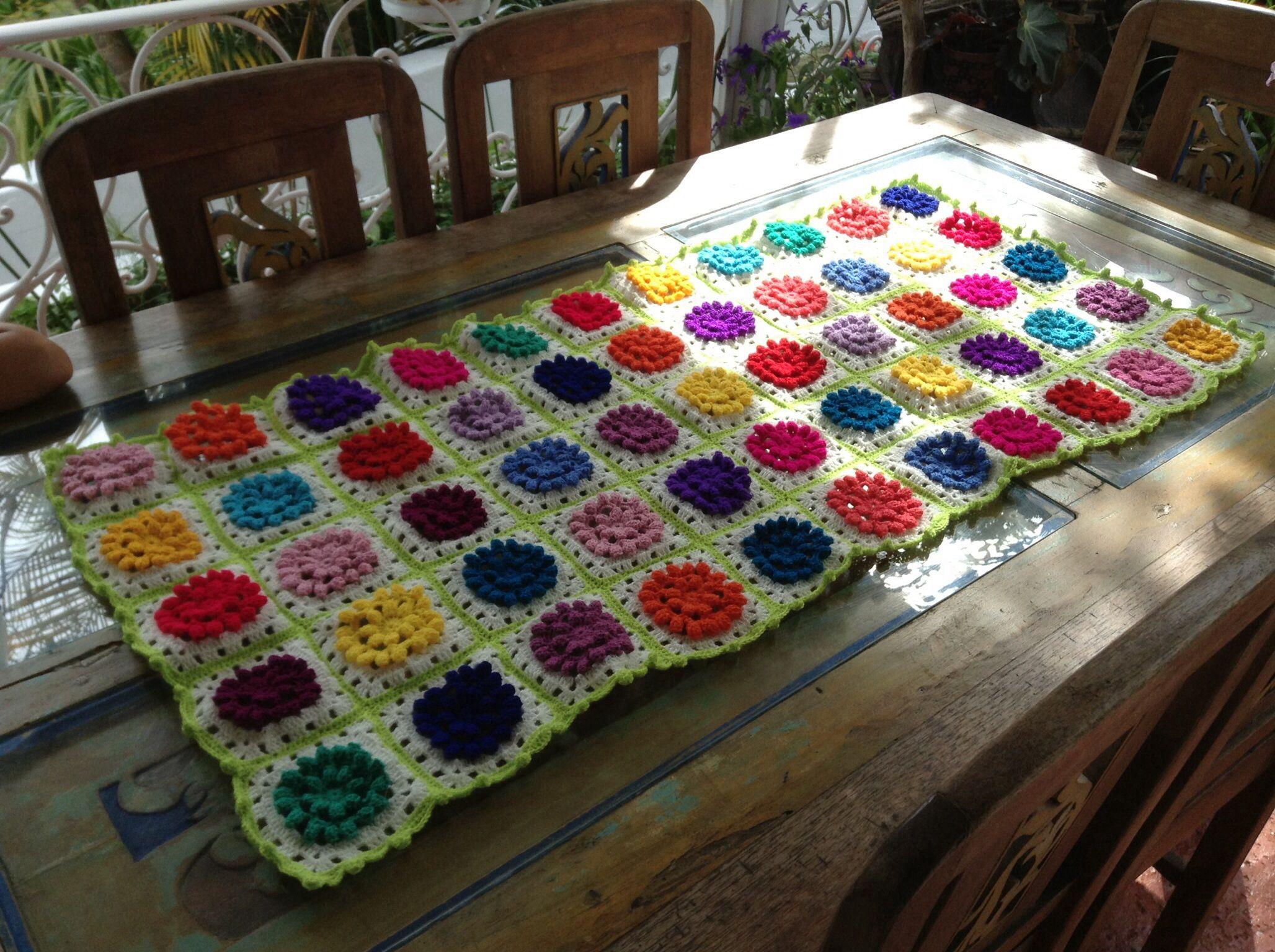 Crochet camino elaborado por Guela Mainieri
