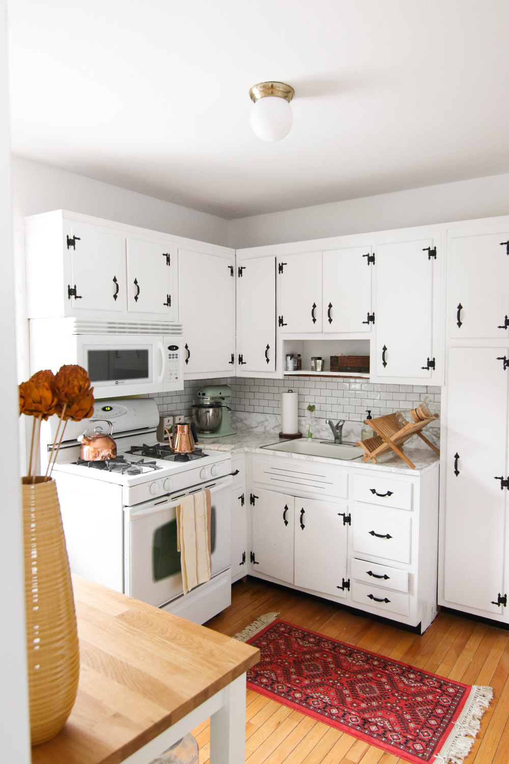 Kitchen Before + After: How I Painted My Kitchen Cabinets ...