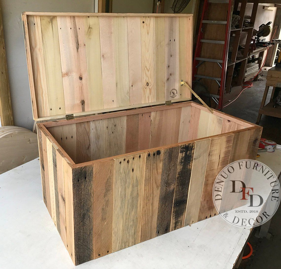 Pallet Chest Sale Reclaimed Pallet Wood Reclaimed Wood Chest Pallet With Images Pallet Diy Pallet Chest Diy Pallet Projects