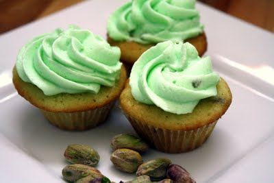 Pistachio cupcakes,,,could they be as good as pistacio bread?