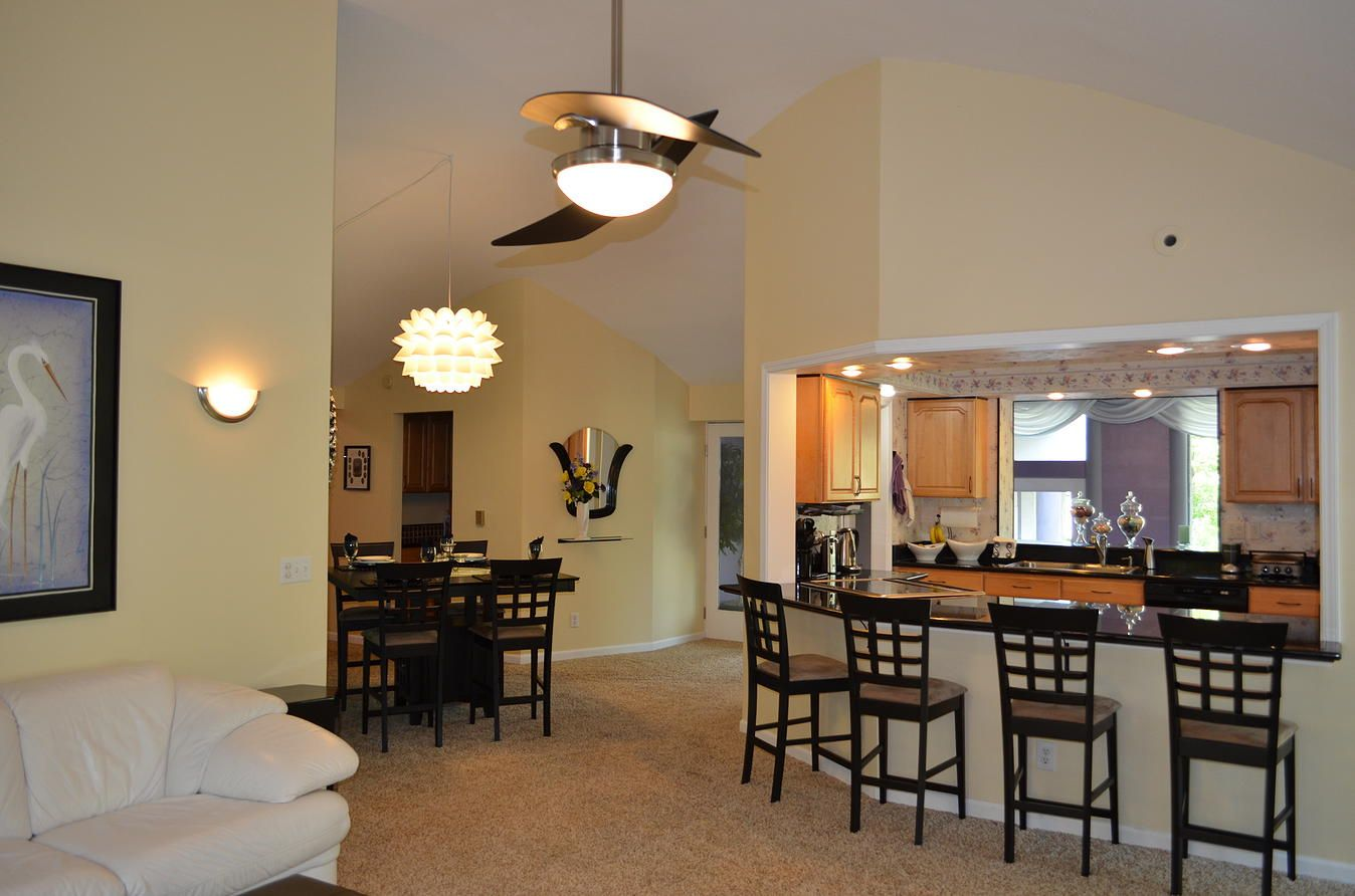Room Kitchen with breakfast bar Dining room