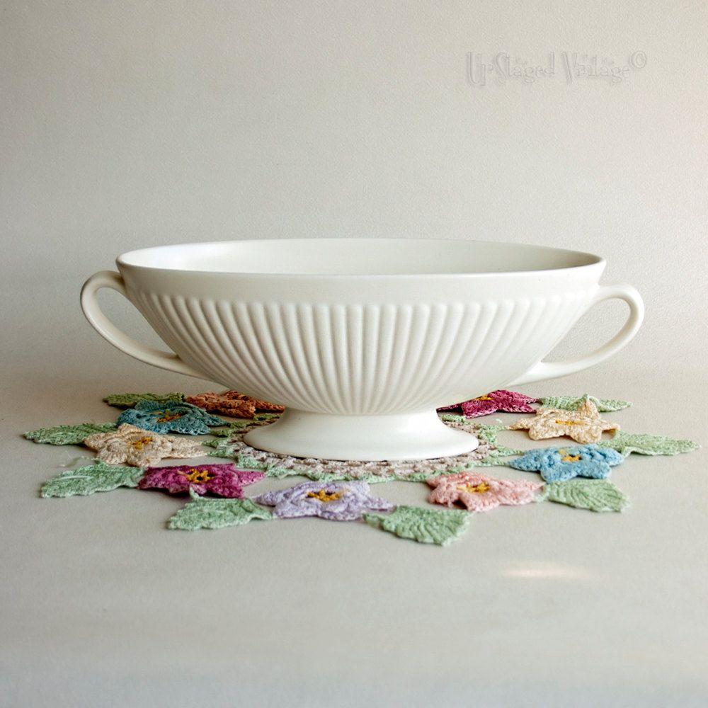 Vintage 1940s50s wedgwood etruria barlaston creamware flower vintage 1940s50s wedgwood etruria barlaston creamware flower urn vase by upstagedvintage on etsy reviewsmspy