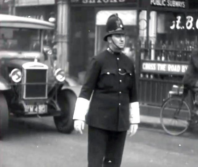 City Of London Police Constable On Traffic Duty Circa 1930 London Police London City Police