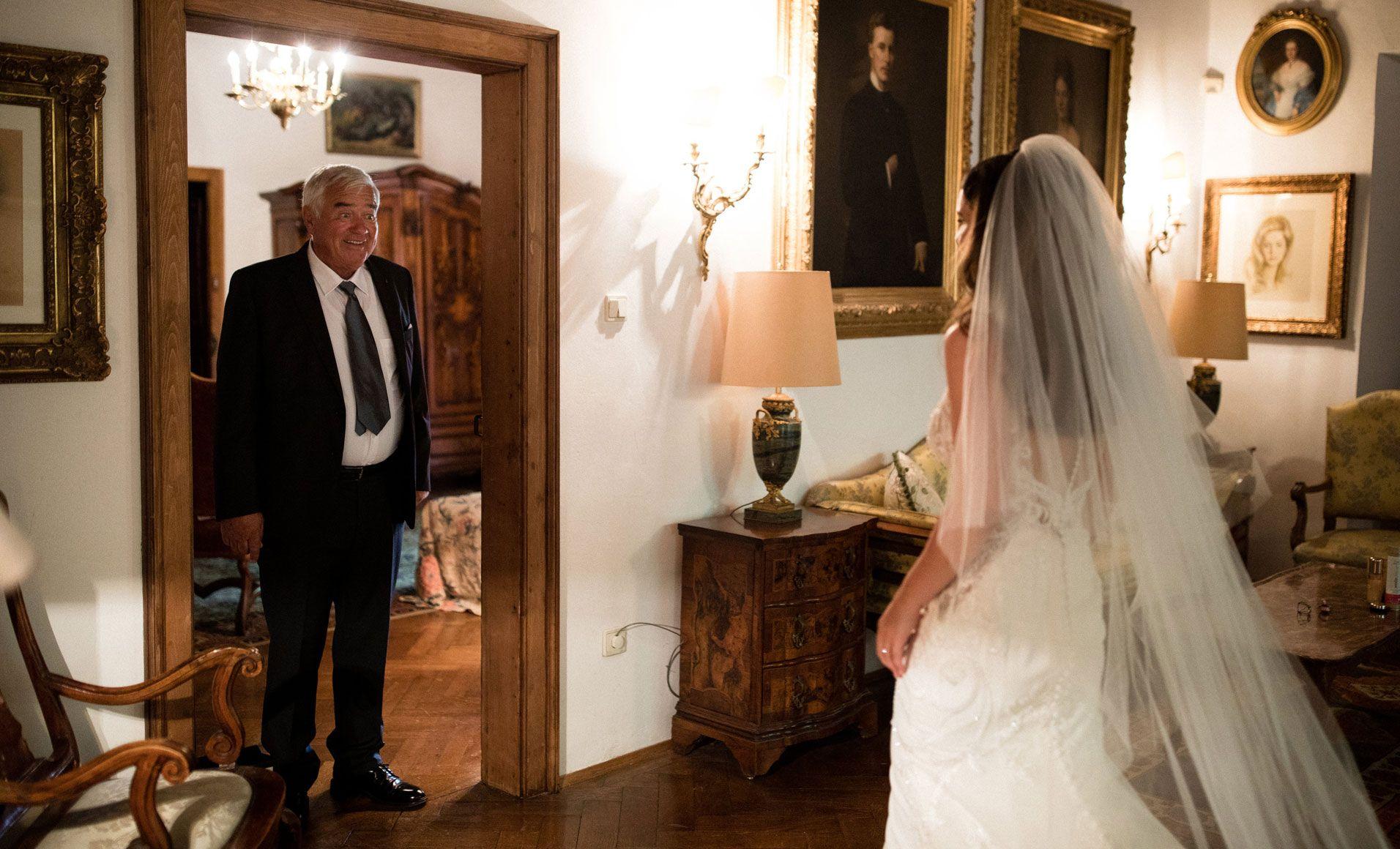 Weddings By Wedding Designer Hannah Elia In The Dolomites Italy I Hochzeiten In Sudtirol Italien In 2020 Hochzeit Catering Bozen Sudtirol Heiraten