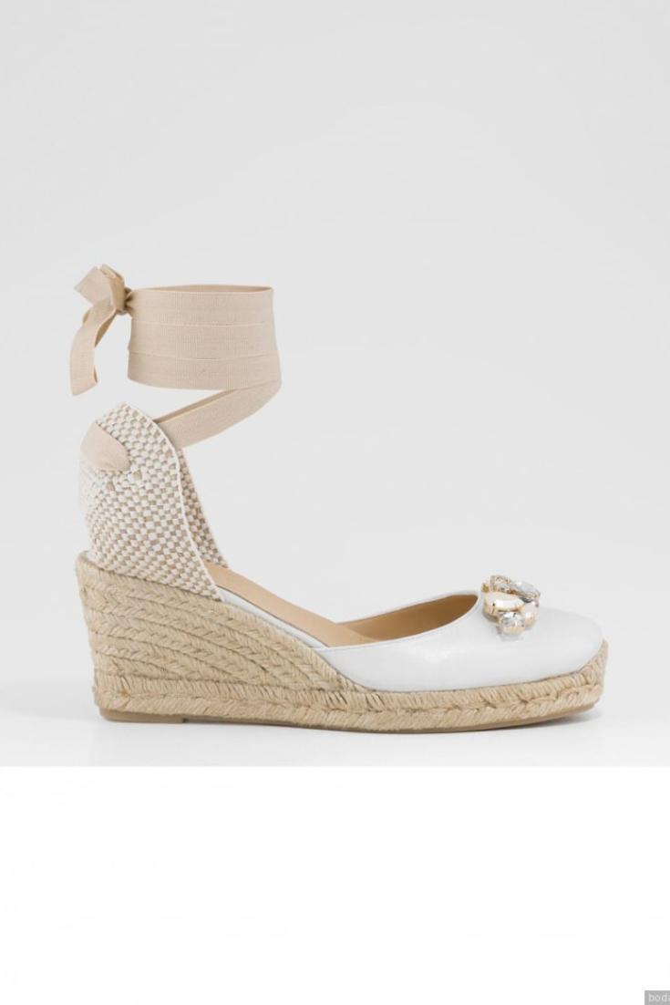 dfbdc9620df Descubre las nuevas tendencias en zapatos de novia 2019!   Zapatos ...