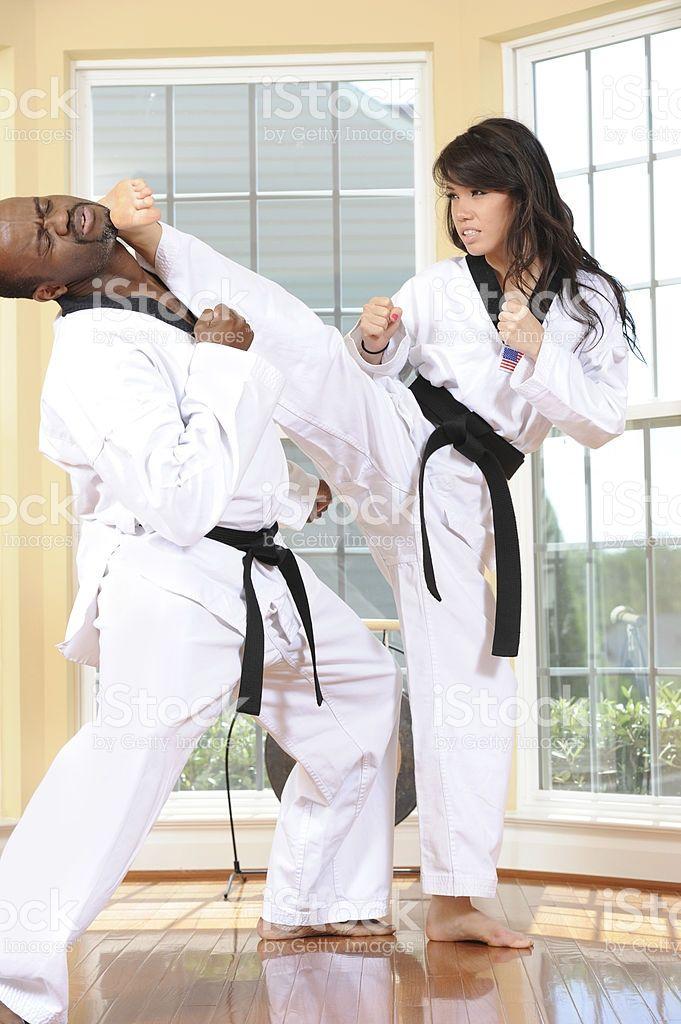 Risultati Immagini Per Afro American Woman Karate Women Karate Female Martial Artists Martial Arts Girl