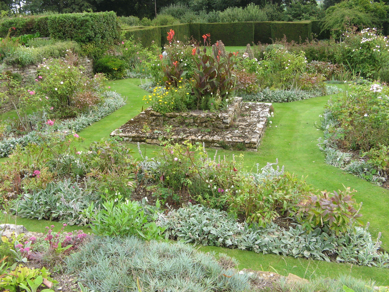 manor house garden upton grey englische g rten. Black Bedroom Furniture Sets. Home Design Ideas