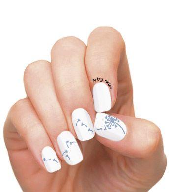 Uñas Decoradas Con Un Diente De León Nails Nails Nail Designs